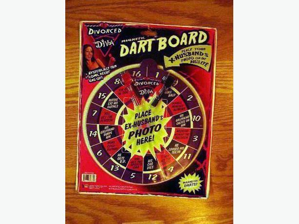 Brand New Magnetic Dartboard Divorced Diva - Excellent Condition! $5