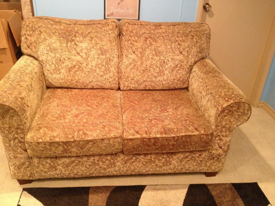 Couch And Matching Loveseat Saanich Victoria