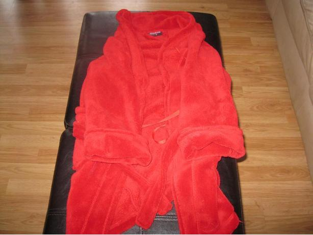 Boys red housecoat with belt - size 6
