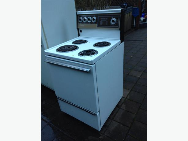 apartment size stove esquimalt view royal victoria