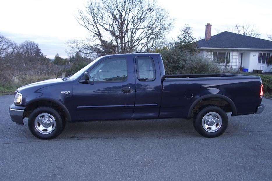 1999 ford f150 extended cab 2 wheel drive victoria city. Black Bedroom Furniture Sets. Home Design Ideas