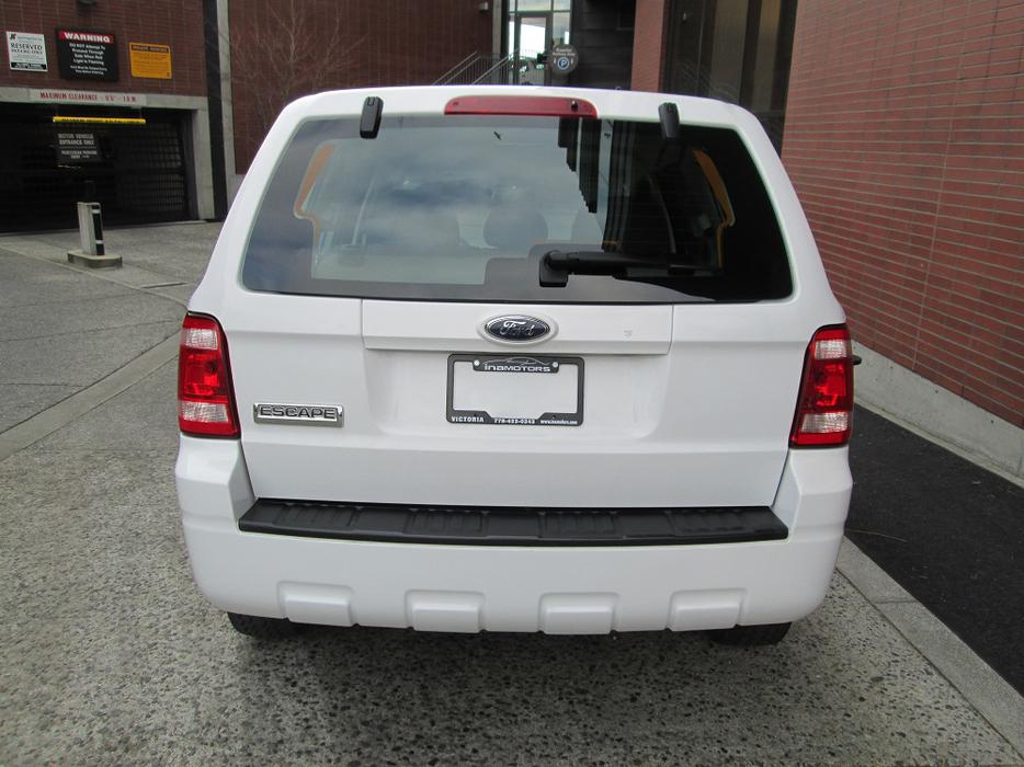 2008 ford escape local vehicle no accidents on for West valley motor vehicle