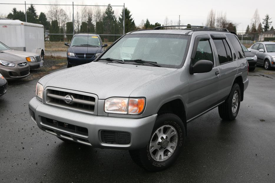 2001 nissan pathfinder se local 4x4 surrey incl white. Black Bedroom Furniture Sets. Home Design Ideas