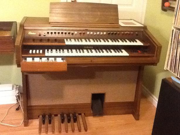 Free yamaha electone organ saanich victoria for Yamaha electone organ models