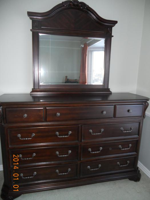 S O L D King Bedroom Set Orleans Ottawa