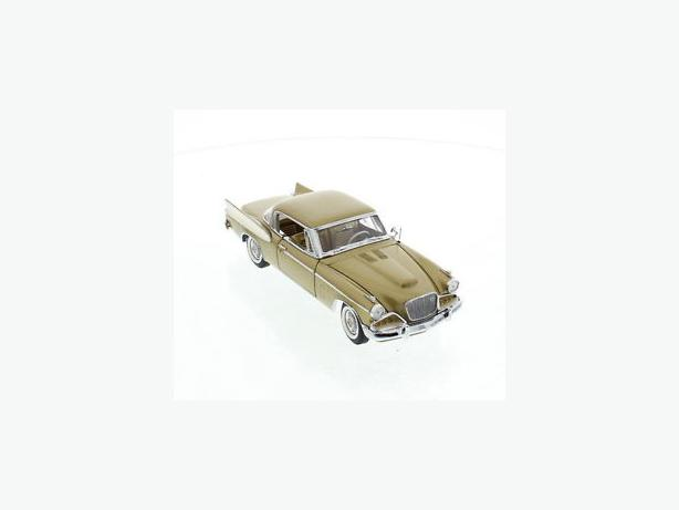 Danbury Mint 1/24 Scale 1957 Studebaker Golden Hawk