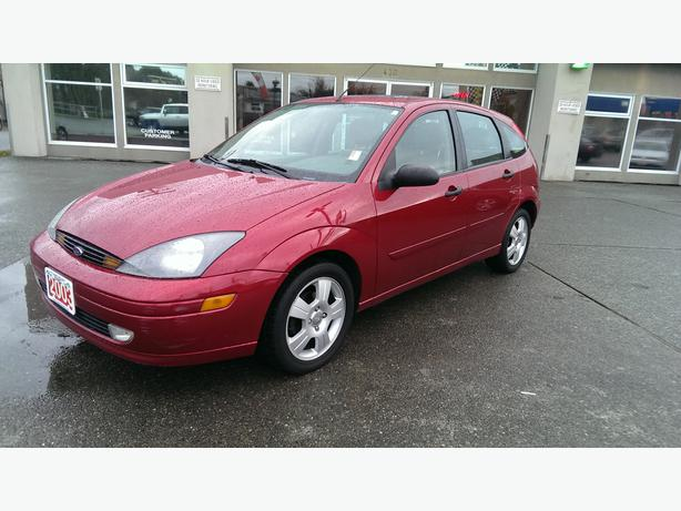 2003 ford focus zx4 hatchback outside comox valley comox. Black Bedroom Furniture Sets. Home Design Ideas