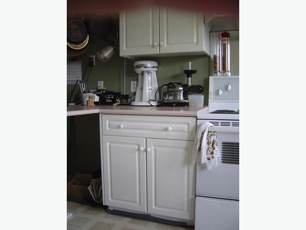Kitchen cabinets for sale south nanaimo nanaimo mobile for Kitchen cabinets nanaimo