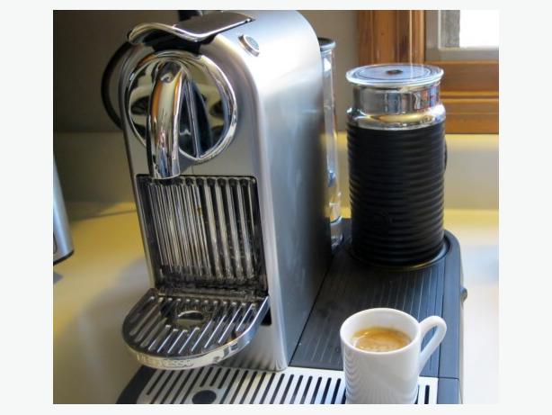 nespresso citiz & aerocinno  silver Esquimalt & View Royal, Victoria -> Nespresso Ottawa