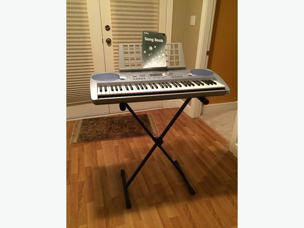 Yamaha psr 273 keyboard piano courtenay comox valley for Yamaha piano store winnipeg