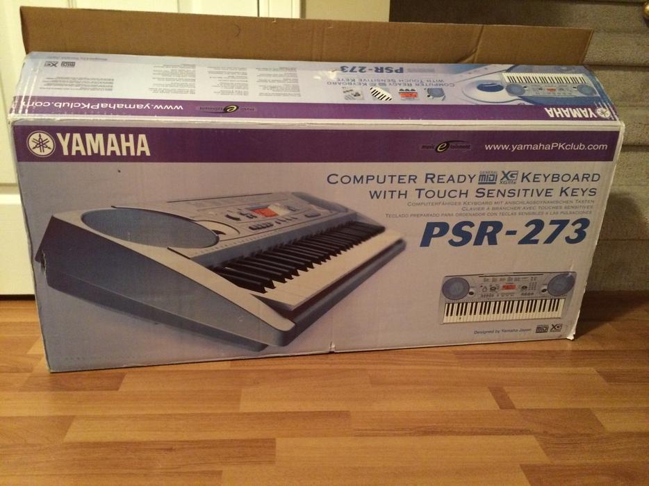 Yamaha psr 273 keyboard piano courtenay comox valley mobile for Yamaha piano store winnipeg