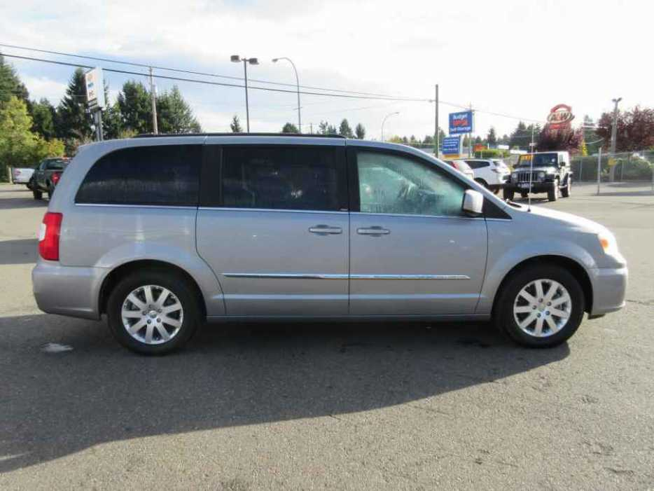 2014 chrysler town country stow 39 n go parksville parksville qualicum beach. Black Bedroom Furniture Sets. Home Design Ideas