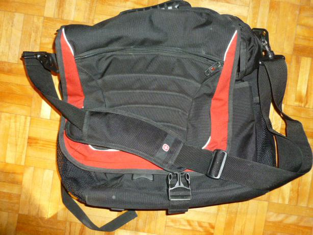Swiss Gear Laptop Backpack/Shoulder Bag (like new condition)