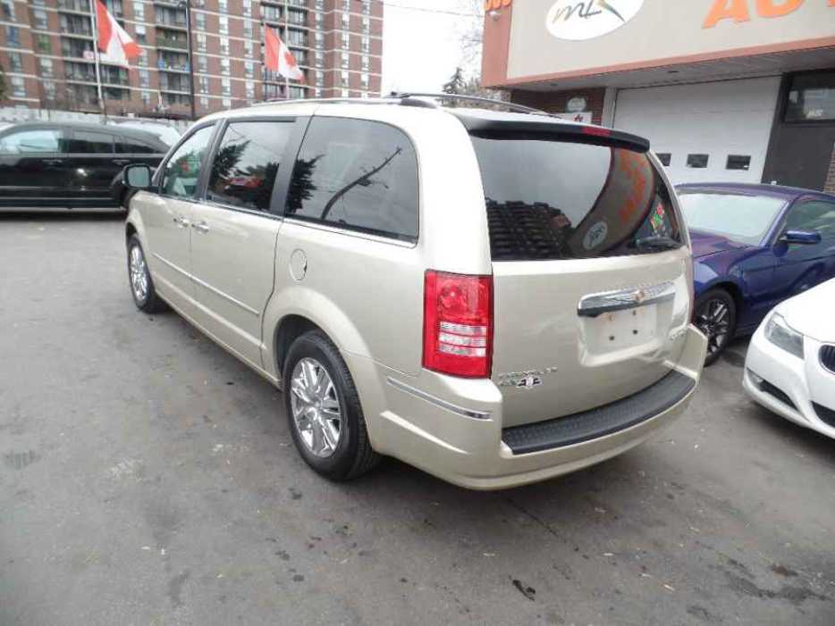 2010 chrysler town and country gatineau sector quebec. Black Bedroom Furniture Sets. Home Design Ideas