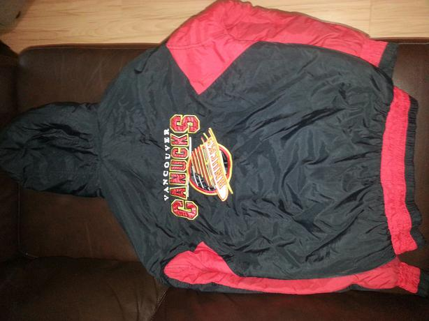 Vancouver Canucks spring/fall/winter coat with beautiful larger back emblem $20