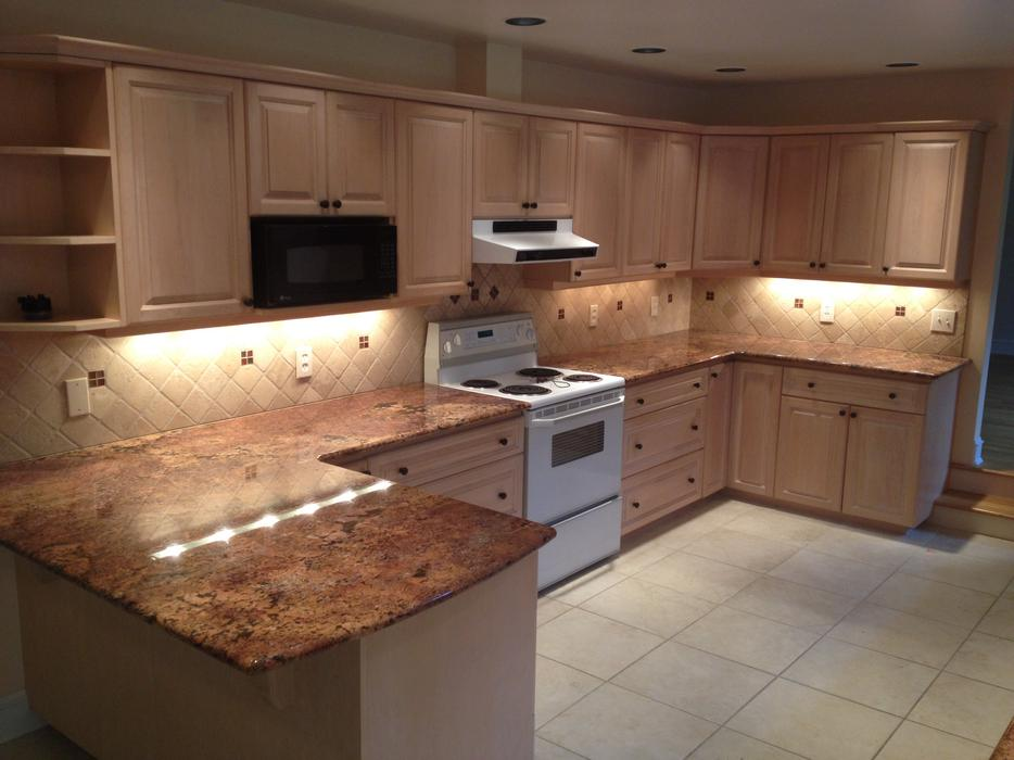 Kitchen cabinets and countertops saanich victoria for Kitchen cabinets victoria