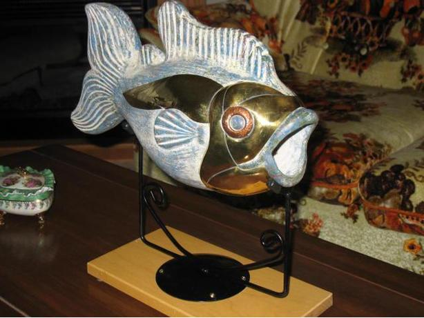 Impressive Large Mouth Bass Sculpture For Sale