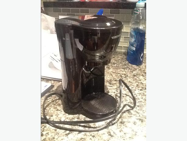 Coffee Maker - Single Cup Maker West Shore: Langford,Colwood,Metchosin,Highlands, Victoria