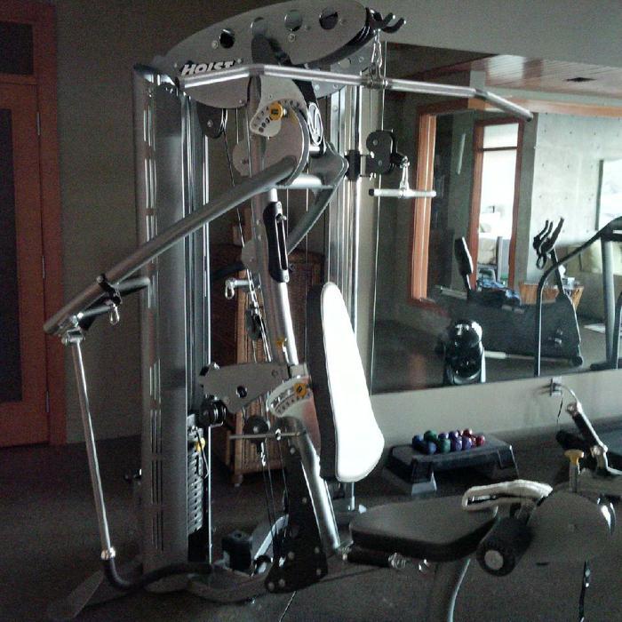 Used Hoist Gym: HOIST V4 Elite Home Gym With HI-LO Attachment Nanoose Bay