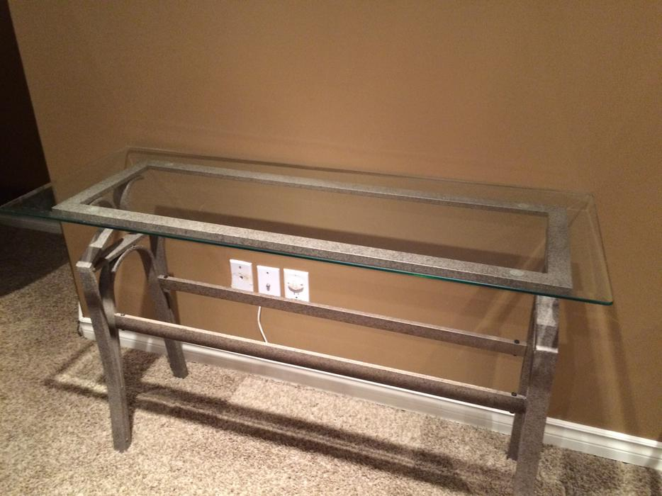 Coffee table two end tables and sofa table north regina for Coffee tables regina