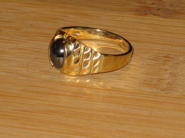 price reduced 10k gold onyx ring size 8 25 crofton