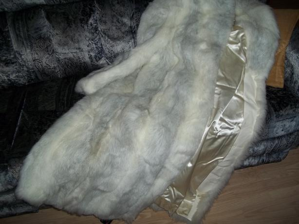 FUR COAT/MANTEAU DE FOURRURE