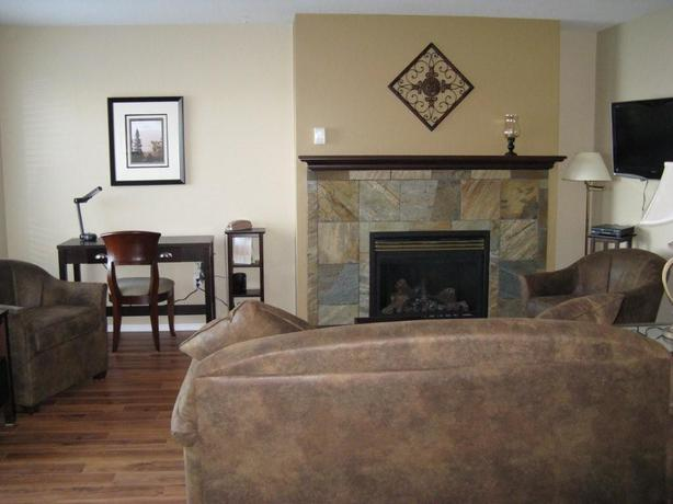 Monthly Rental of Fully-Furnished 2 Bedroom Oceanfront Condo on Vancouver Island