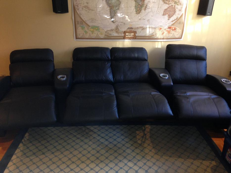 Leather elran home theater power reclining seating for Divan 3 places elran
