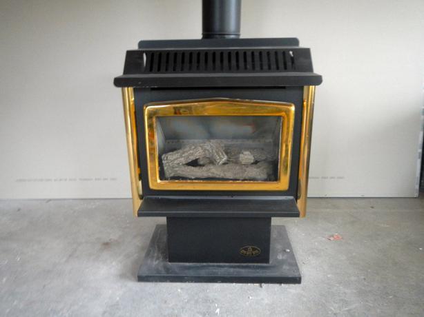 Osburn Free Standing Gas Fireplace North Saanich & Sidney , Victoria