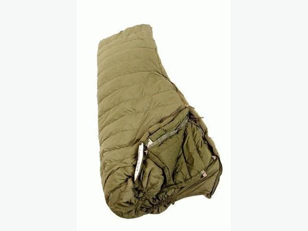-40 EXTREME COLD SLEEPING BAG CDN MILITARY