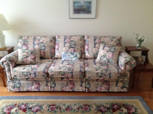 Floral Sofa For Sale Gloucester, Ottawa