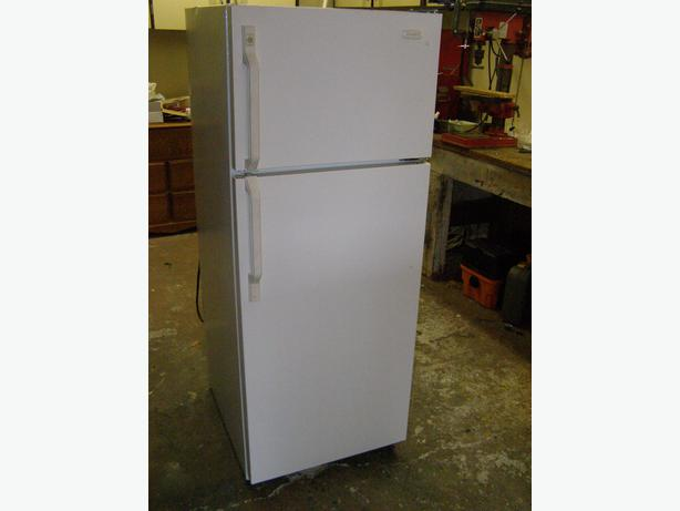 24 white apartment size fridge west shore langford