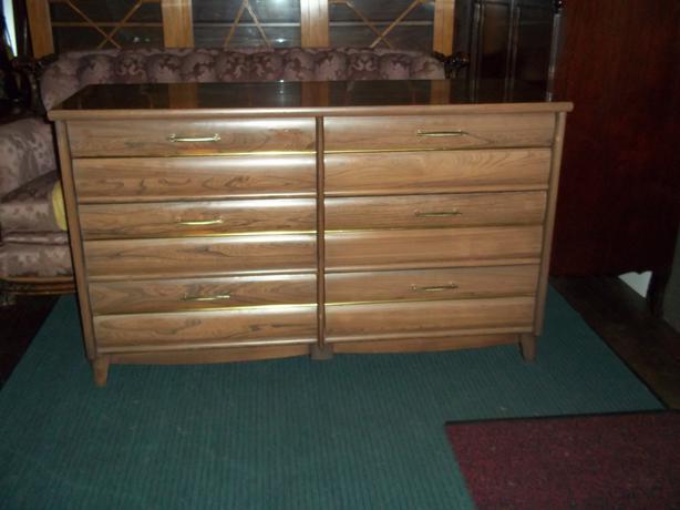 Dresser Oak Bay Victoria