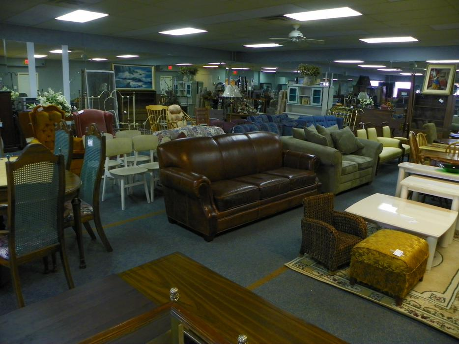 West coast resale used furniture store central nanaimo for Consignment furniture clearwater