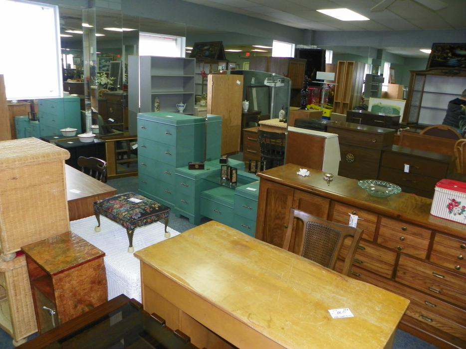 West Coast Resale Used Furniture Store Central Nanaimo Parksville Qualicum Beach Mobile