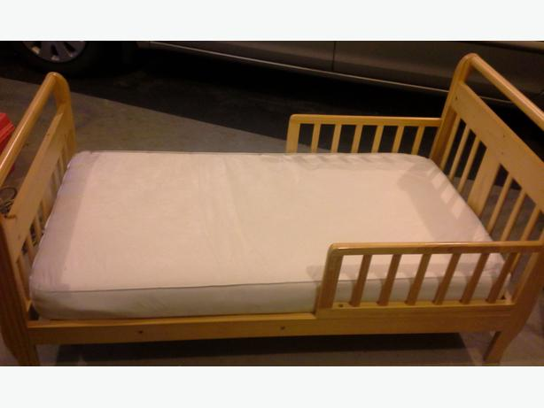 Wooden Toddler Bed With Mattress Campbell River Campbell