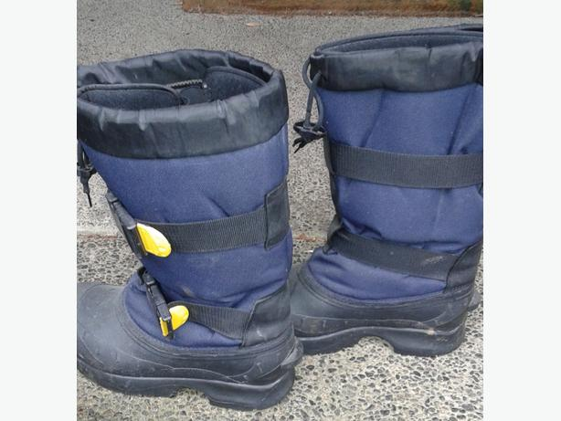 Windriver snow boots sz10