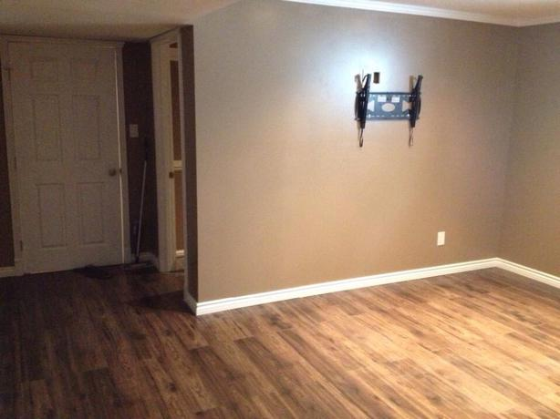 Spacious Room And Private Bathroom For Rent West Regina