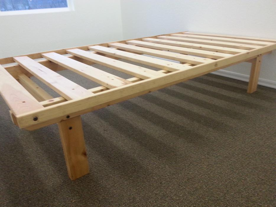 Single Pine Bed Frame Does Not Require Box Spring