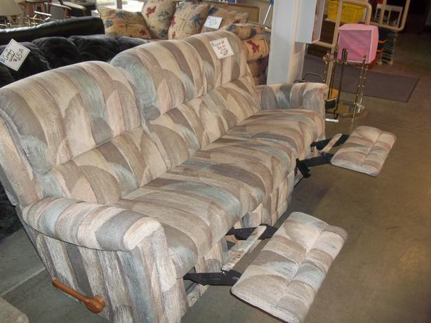 Was 125 Lazy Boy Recliner Couch For Sale At St Vincent De Paul On Quadra Saanich Victoria Mobile