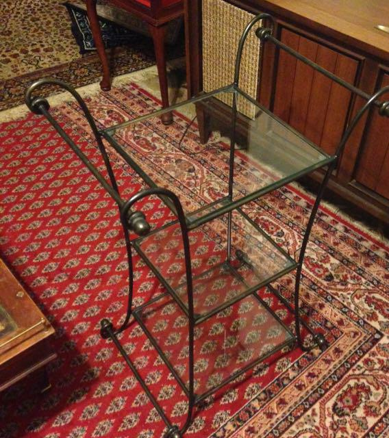 wrought iron table shelf plant stand Victoria City  : 44443658934 from www.usedvictoria.com size 568 x 640 jpeg 87kB
