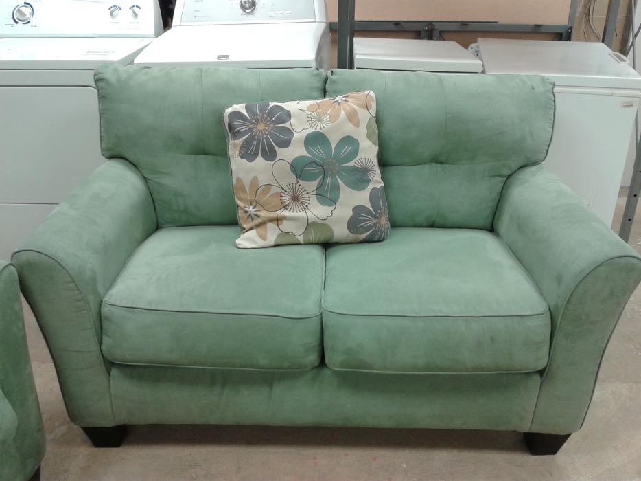 Seafoam Green Sofa Loveseat 6113566 Victoria City  : 44460560934 from www.usedvictoria.com size 934 x 700 jpeg 60kB