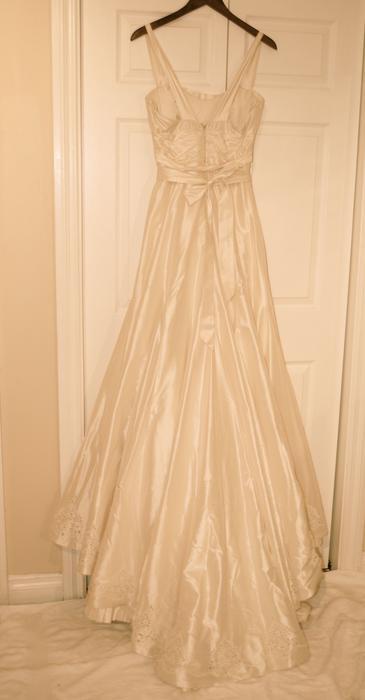 New Melissa Sweet Carrie Wedding Dress Never Worn