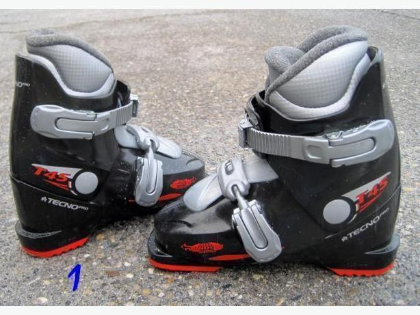 Ski Boots ~ size 1 youth