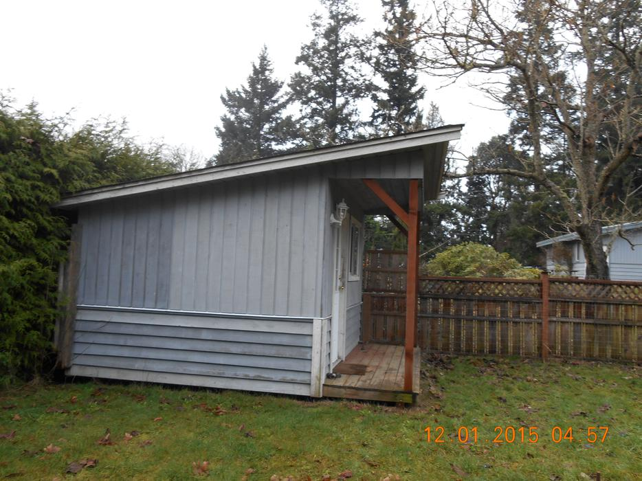 Garden tool storage shed saanich victoria for Gardening tools victoria