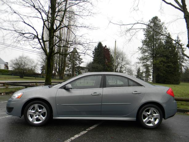 2009 pontiac g6 se sedan surrey incl white rock vancouver. Black Bedroom Furniture Sets. Home Design Ideas