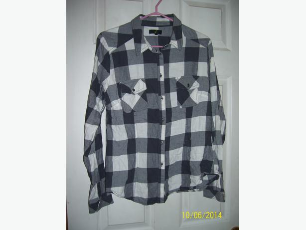 Girls size 14 plaid shirt only worn a few times