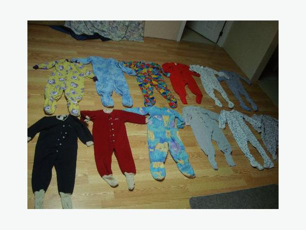 12 Like New Sleepers Size 3 Fleece Cotton, etc. - Excellent Condition! $4 each