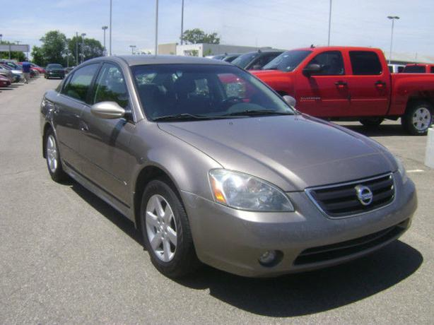 fs 2003 nissan altima only 88 000km gatineau sector quebec ottawa. Black Bedroom Furniture Sets. Home Design Ideas