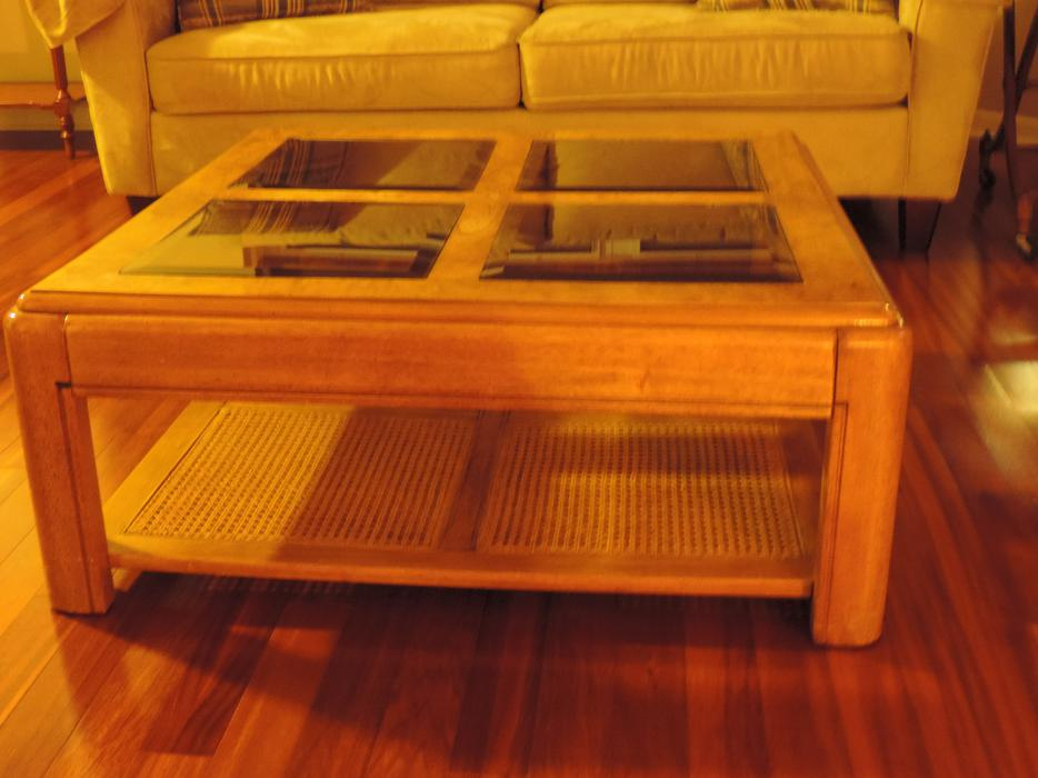 Oak coffee table kanata ottawa for Coffee tables ottawa